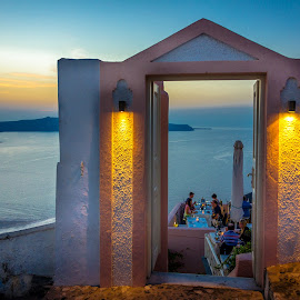 Restaurante by Murat Besbudak - Landscapes Travel ( aegean sea, greece, oia, greek islands, santorini )