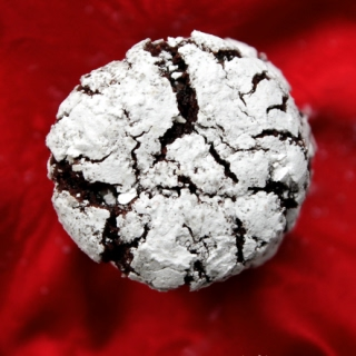 Vegan Peppermint Crinkle Cookies