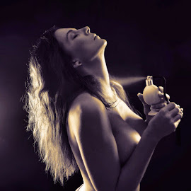 Beauty spray by Mattias Larsson - Nudes & Boudoir Artistic Nude ( #hot )