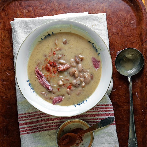 Csülkös Bableves (Hungarian Bean and Ham Soup)