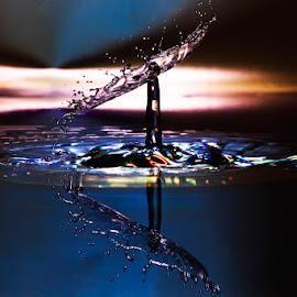 Ligthning by Einar Bjaanes - Abstract Water Drops & Splashes ( water, slash, color, burn, light )
