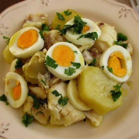 Hake 'à Gomes de Sá' (hake with potatoes and eggs)