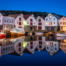 Mirror harbour by Richard Larssen - Buildings & Architecture Other Exteriors ( richard larssen, larssen, scandinavi, richard, norge, photography, norway,  )