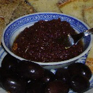 Olive Paste Spread with Garlic (Tapenade)