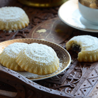Middle Eastern Date-Filled Cookies (Ma'amoul)
