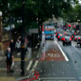 London rain by Rubens Campos - City,  Street & Park  Street Scenes ( england, london street, london, street, street scene, chuba, rain, inglaterra )