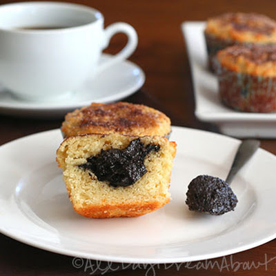 Nutella-Stuffed Cinnamon Sugar Muffins – Low Carb and Gluten-Free
