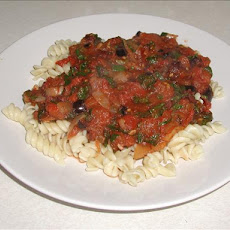 Spinach, Olive and Chilli Tomato Sauce for Pasta