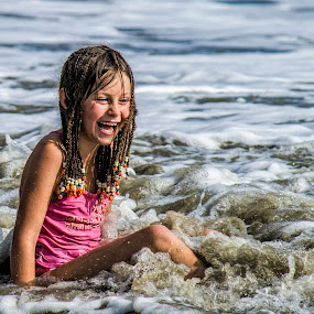 Cooling waves by Vibeke Friis - Babies & Children Children Candids ( laughing, girl, water fun, waves, movement, fiji, , KidsOfSummer )