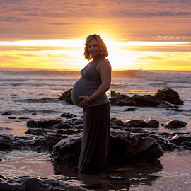 The Glow of Pregnancy by Chris Coggin - People Maternity ( canon, 805, california, pacific ocean, beach,  )