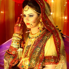 Bride by Almas Tushar - Wedding Bride ( mehedi, rafat.toha.niaz, nayeem )