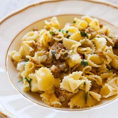 Pasta with Tuna and Capers in White Wine Sauce