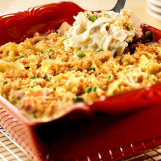 Crowd-Pleasing Tuna Noodle Casserole