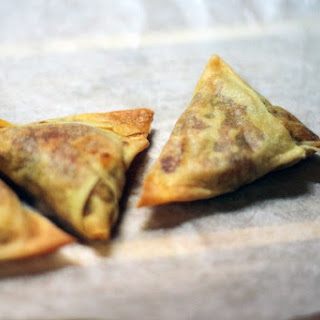 Easy Baked Samosa {Indian Wontons Stuffed with Mild Potato Curry}