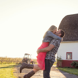 Lift her up by Kate Gansneder - People Couples ( kiss, barn, lift, couple, country )
