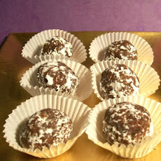 Apricot Almond Chocolate Balls