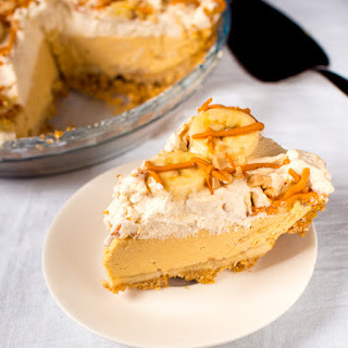 No-Bake Peanut Butter Banana Rum Pie