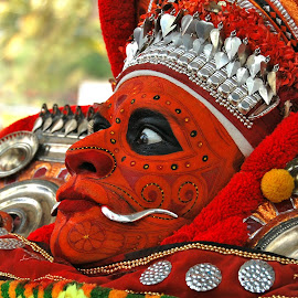 Theyyam by Mithun Pariyanthodikalam - People Body Art/Tattoos ( face, red, theyyam, art form, eyes )