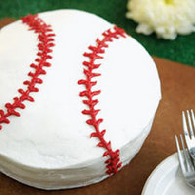Batter-Up Baseball Cake