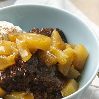 Slow-Cooker Apple Gingerbread Pudding Cake