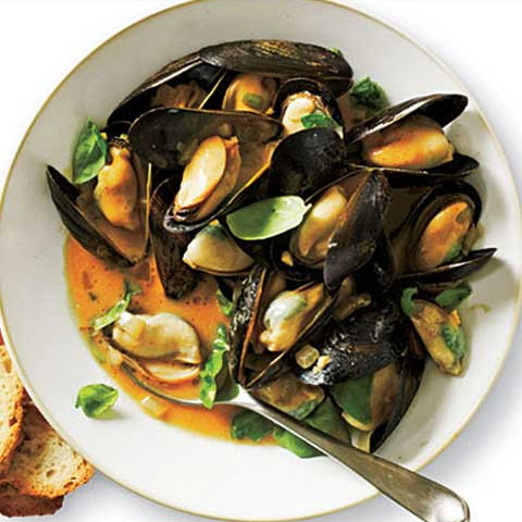Curried Mussels With Coconut Milk
