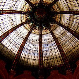 Lafayette by Isabella Scotti - Buildings & Architecture Architectural Detail ( parigi agosto 2008 )