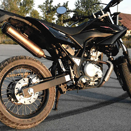 Yamaha by Karlo Teur - Transportation Motorcycles ( yamaha, motor, motorcycle )