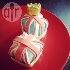 Jubilee Fondant Fancies