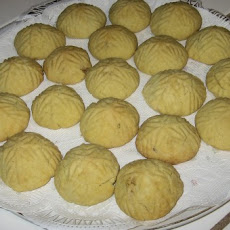 Domari Walnut Cakes (Cookies from Jerusalem)