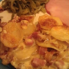 Sarasota's Supreme Smoky Scalloped Potatoes & Ham