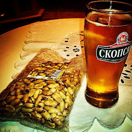 Macedonian beer+ peanuts  by Ѓорѓи Станковски - Food & Drink Alcohol & Drinks