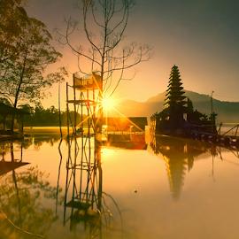 by I Komang Windu - Landscapes Sunsets & Sunrises ( temple, canon, bali, kintamani, lake, travel photography, photography )