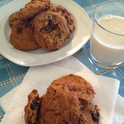 CHEWY CHOCOLATE CHIP COOKIES – PALEO