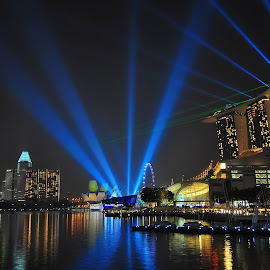 MARINA BAY LASER LIGHTS SHOW by FRANCIS PAY - Landscapes Travel (  )