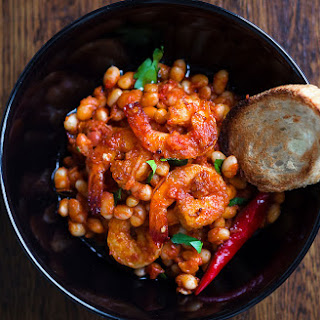 Spicy Garlic Shrimp and White Beans