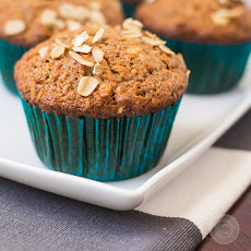 SUPER MOIST AND HEALTHY CARROT CAKE MUFFINS
