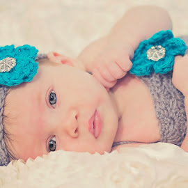 Eyes of Innocence by Thea Joy - Babies & Children Babies ( babies, baby girl, innocence, portraits, eyes )