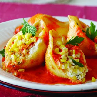 3-Cheese Stuffed Shells with Roasted Red Pepper Sauce