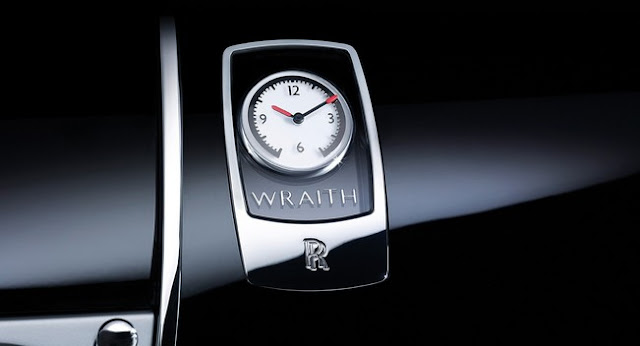 Wraith interior clock