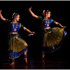 BHARATANATYAM by Bivin Lal Photography - People Musicians & Entertainers ( dancers, dance, dancer )