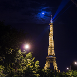 Eiffel Tower at Night by Darren Hanks - Buildings & Architecture Statues & Monuments ( eiffel tower, paris, darren hanks photography, eiffel, night )