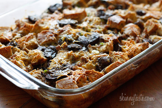Make-Over Breakfast Sausage and Mushroom Strata Recept | Yummly