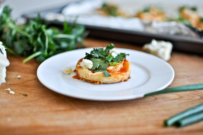 Mini Buffalo Shrimp Puff Pastry Pizzas Recept | Yummly