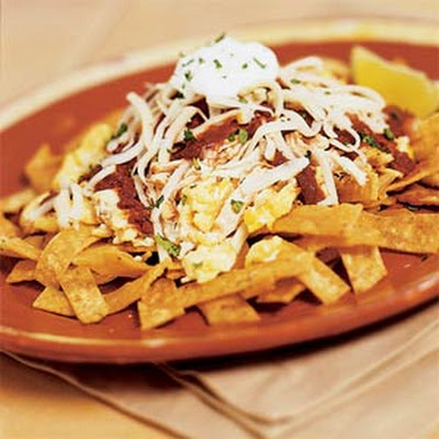 Chilaquiles con Pollo y Queso