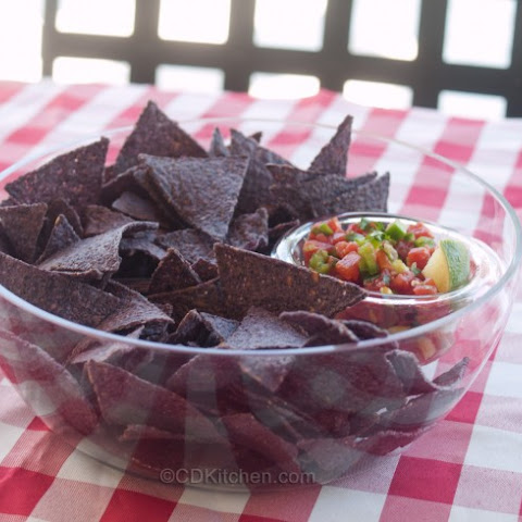 Fresh And Easy Salsa With Blue Corn Chips