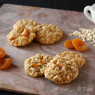 Oatmeal Apricot Cookies