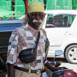 STREETWORKER by Frank Photography - People Portraits of Men ( holiday, old, tourist, asia, driver, skin, bicycle, street photography )