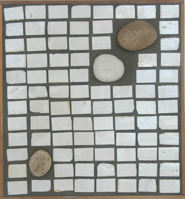 Table with Stones <br> 14,5 x 15,7 in