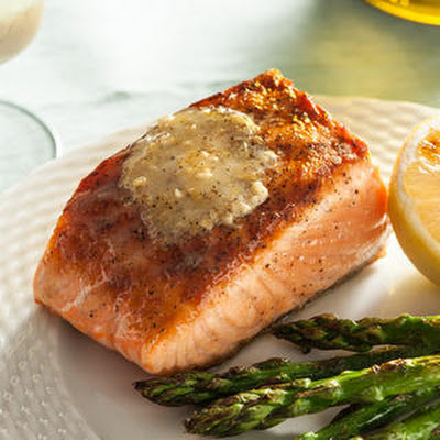Grilled Salmon with Lemon-Pepper Compound Butter