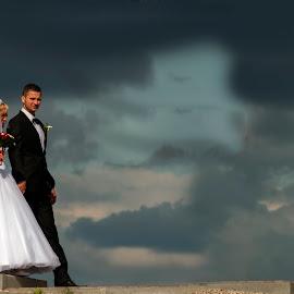 in the clouds by Pawel Czaja - Wedding Bride & Groom ( wedding, bride, groom )